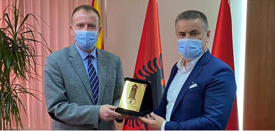 Таравари им додели Признанија на инфектолозите Цана, Демири и Нешковски