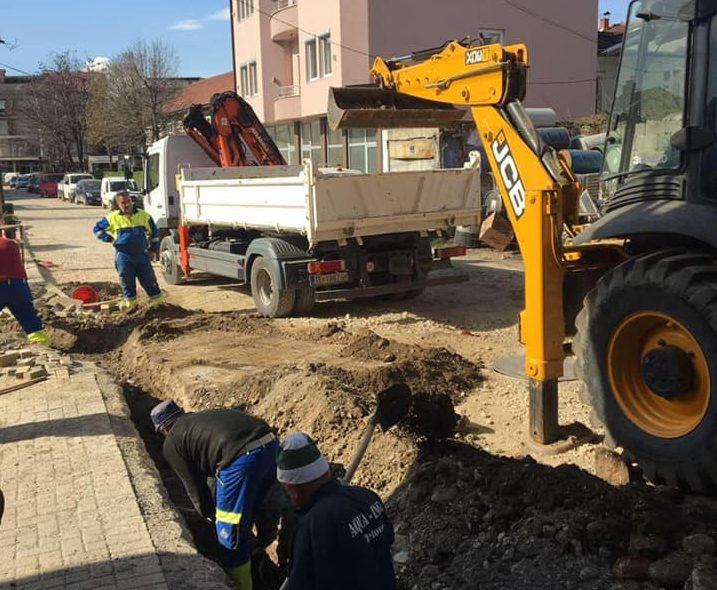 """Работите на улицата """"Страхиња Симоновски"""" продолжуваат со висок интензитет"""